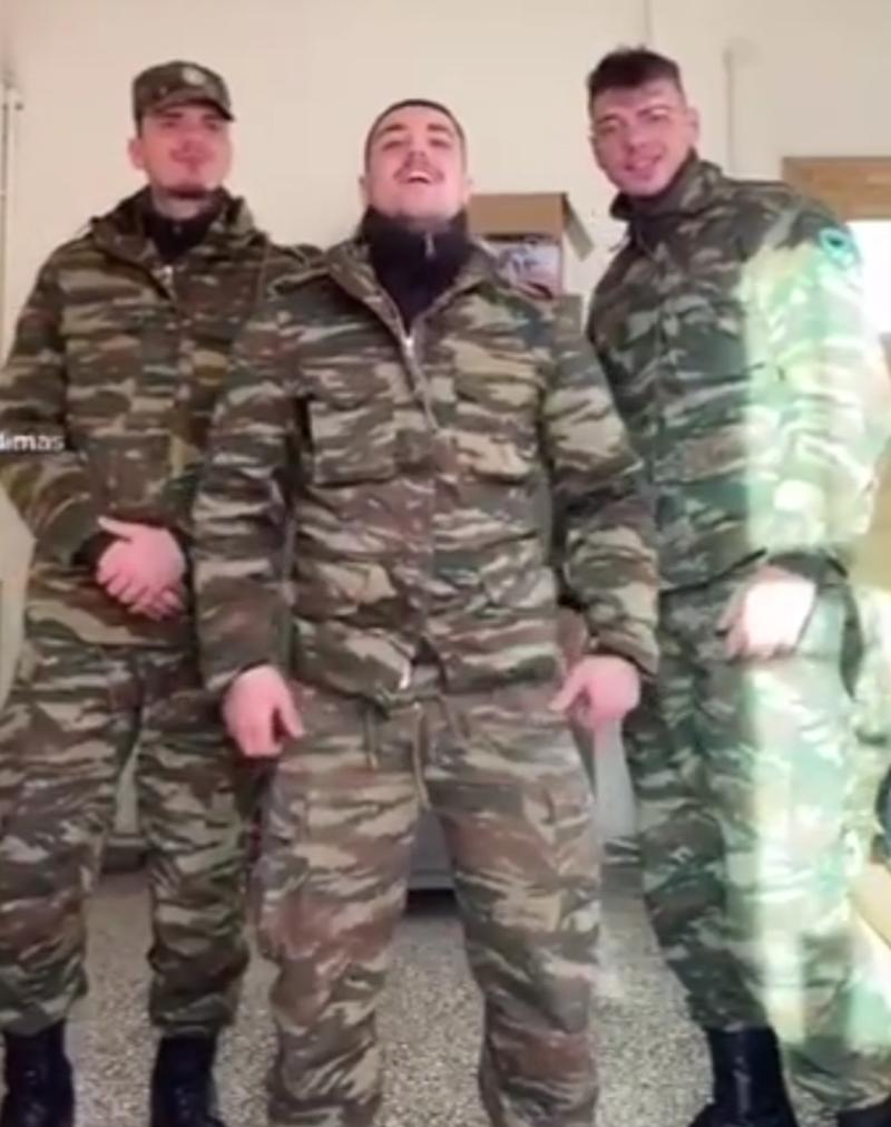 Video që po 'thyen' rrjetin/ Shihni si ushtarët grekë