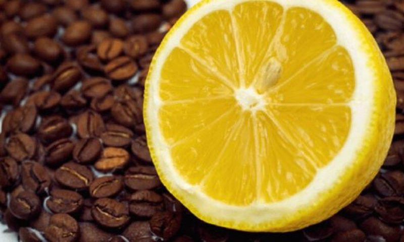 Very important! Find out the reason why many people consume coffee with lemon,