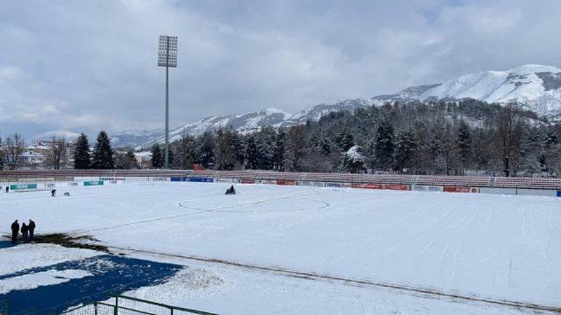 Bora dhe acari bllokon topin, FSHF shtyn ndeshjet e javës 20