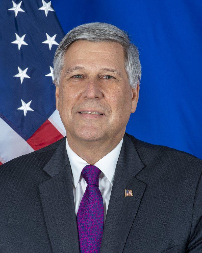 Ambasadori amerikan në Kosovë: I mahnitur nga zgjedhjet, Kurti dhe
