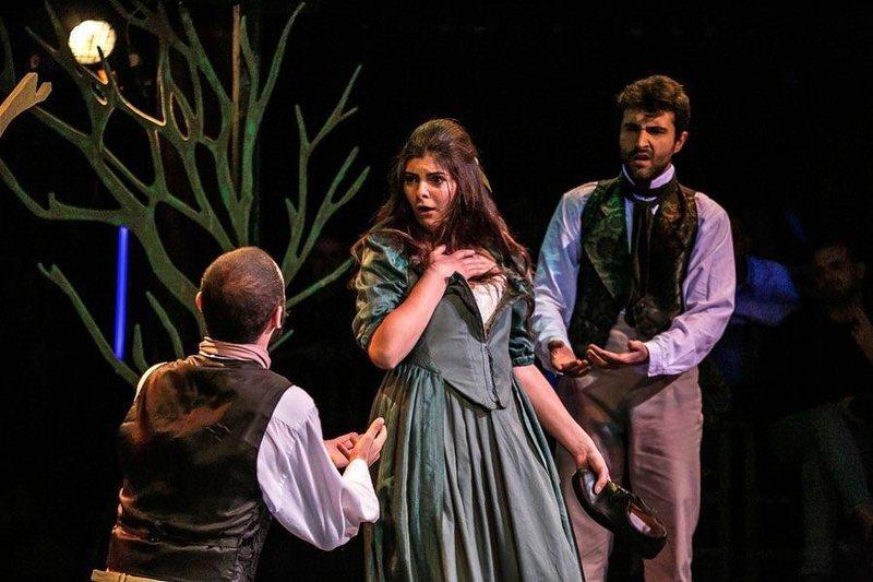 """Teatri Metropol me """"Ëndrra e një nate vere"""", një nga"""