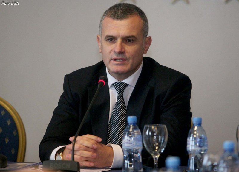 Bujar Leskaj takim me të rinjtë e Vlorës: Edi Rama fajtor