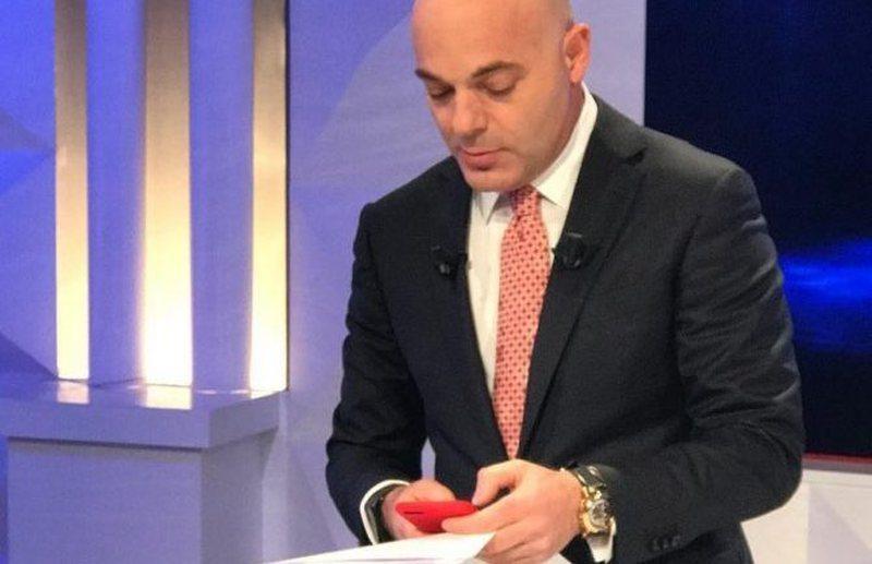 Blendi Fevziut i vjen mesazhi i papritur në telefon: Bujar Nishani nuk do