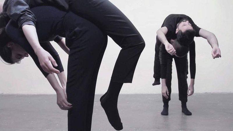 Tre artistë të rinj shqiptarë, në bienalen