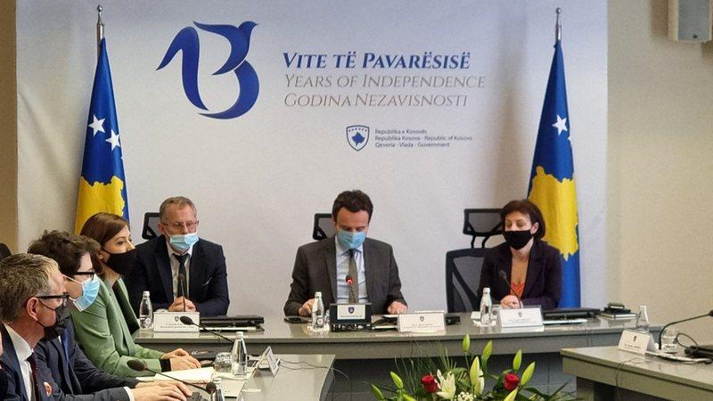 Kurti dhe ministrat marrin frenat e qeverisë: Do luftojmë