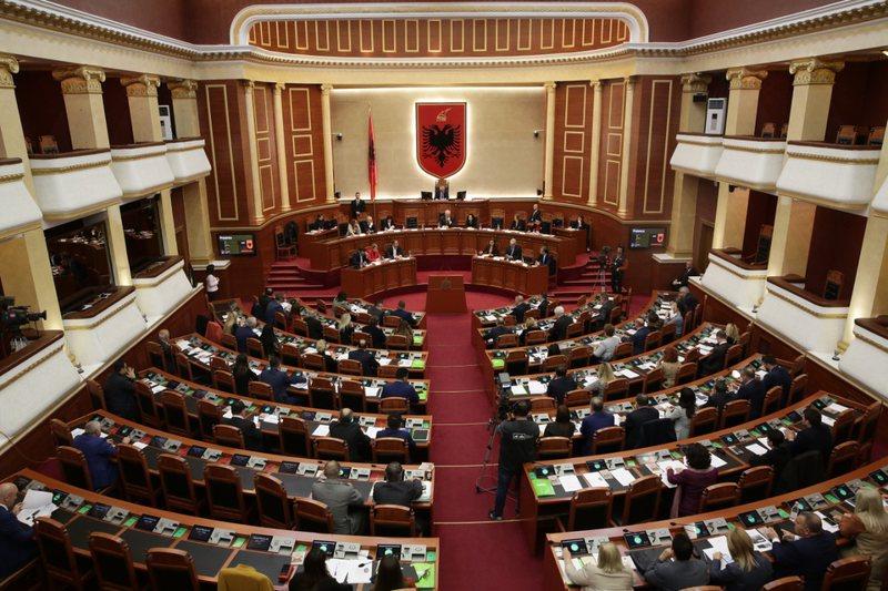 """Këta nuk duan Shqipërinë, këta """"vdesin"""""""