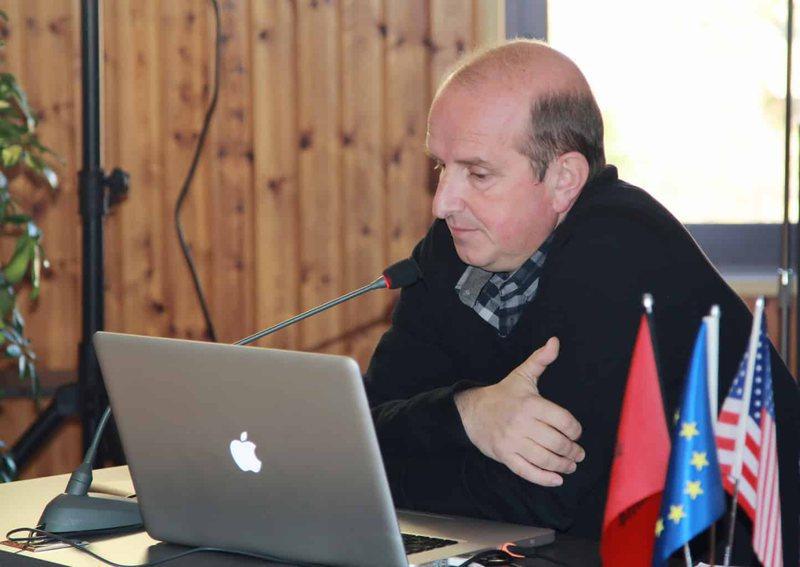 """Festivali """"Romanca Shqiptare"""", Endri Sina: Problem buxheti dhe"""