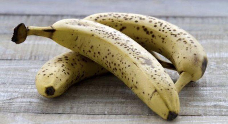 Konsumoni një banane me pika të zeza në ditë dhe do të