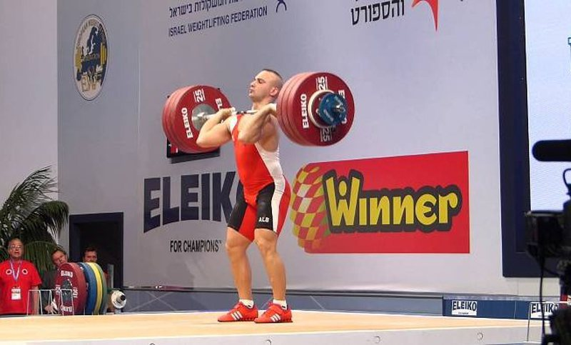 Weightlifting / Qerimaj closes the third in battery B, Godelli is injured and