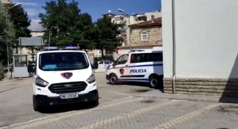 Dyshohet se vranë 43-vjeçarin në Greqi, arrestohen 2 të