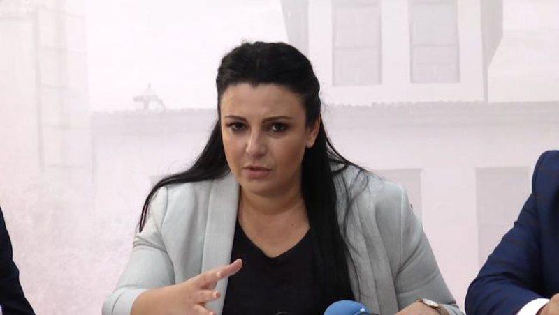 Bllokimi i Rinasit, ministrja Balluku merr në dorë situatën dhe
