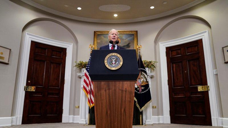 Lufta me koronavirusin / Presidenti Biden del me thirrjen urgjente për