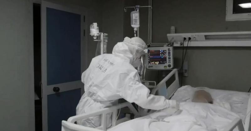 Humbi jetën nga Covid pasi lindi foshnjen/ Mjekët tregojnë
