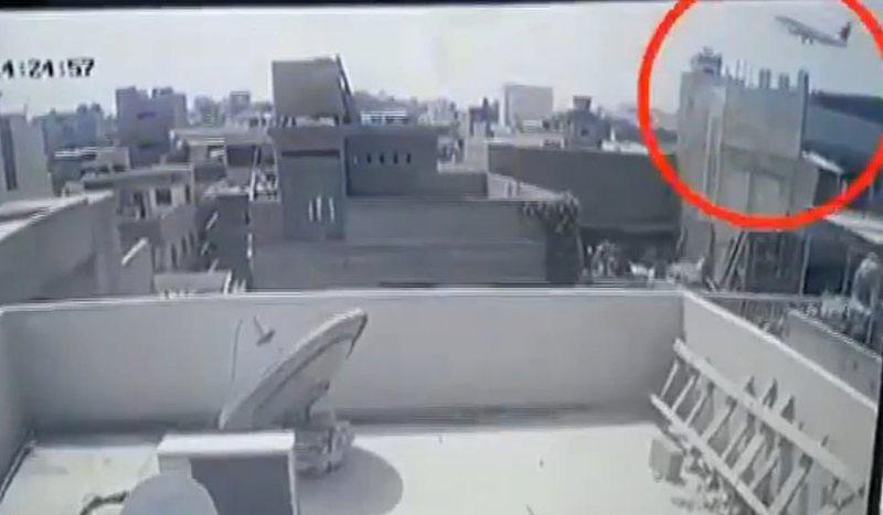 Aksidenti tragjik/ Shpërtheu si bombë mbi banesa, publikohen momentet