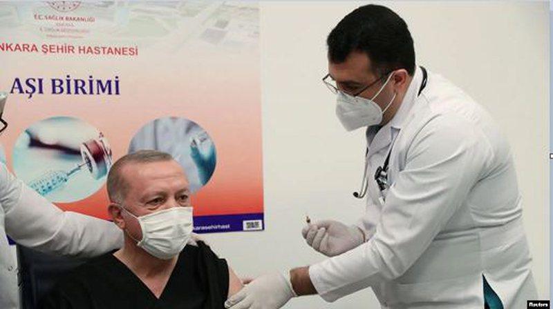 Erdogan vaccinated live, Turkey launches immunization by COVID, president