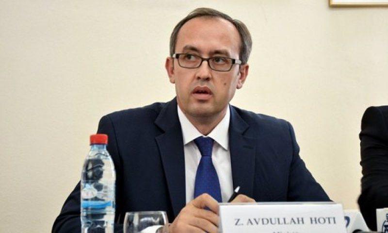Doli pozitiv me Covid-19, reagon kryeministri Avdullah Hoti, i përgjigjet