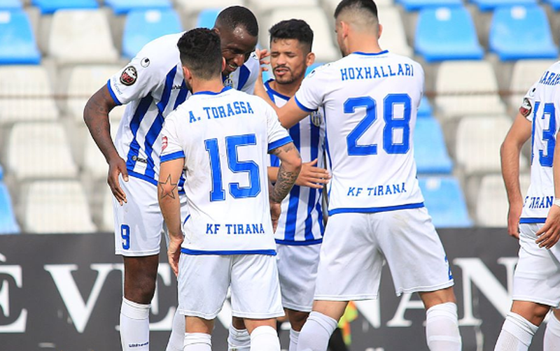 Tirana rikthehet te fitorja, shkatërron 3-0 Vllazninë