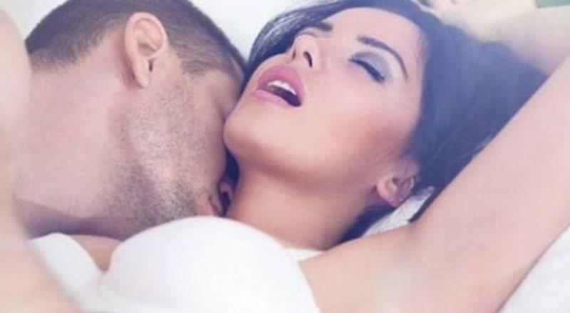 Gjashtë sekrete që ju tregojnë se e dashuara juaj ka