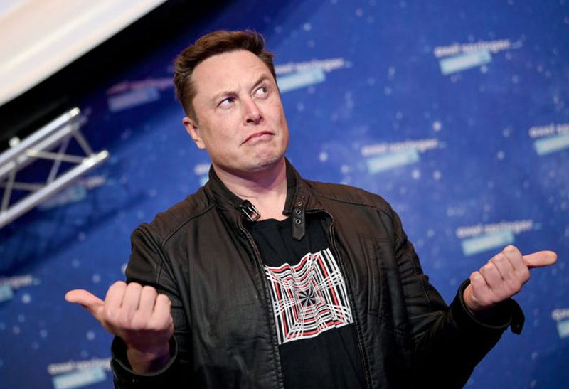 """Humbi 27 miliardë $ brenda javës / Elon Musk """"lëshon"""