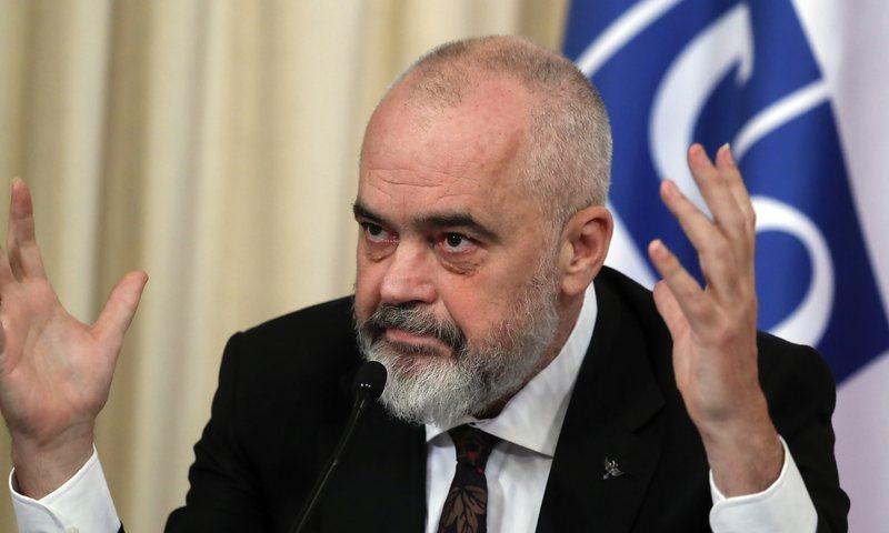 "Dhurata Çupi ""sfidon"" kryeministrin Rama"
