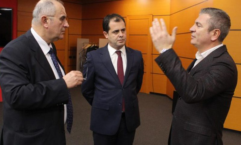 Opozita e bashkuar kërkon mbledhjen e Këshillit Politik, ja