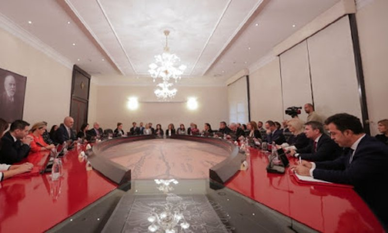 The Council of Ministers approves the decision, 705 vacancies are opened in the