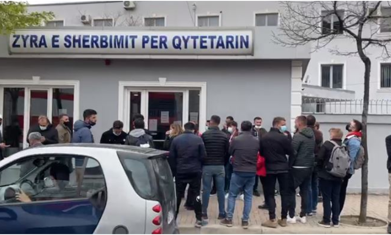 Protesta kundër HEC-eve në Mirditë duke bllokuar Rrugën e