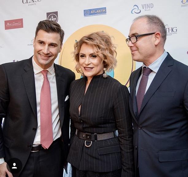 Ja kush është bashkëshorti i gazetares së njohur, Eni Vasili ...