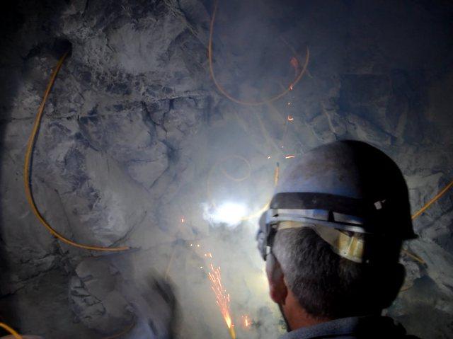 Pas 48 orësh, nxirren të pajetë nga miniera e Dibrës dy