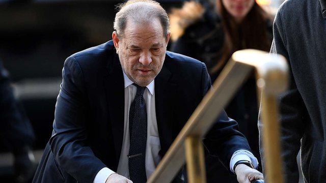 Pas gjyqit, Harvey Weinstein shtrohet me urgjencë në spital