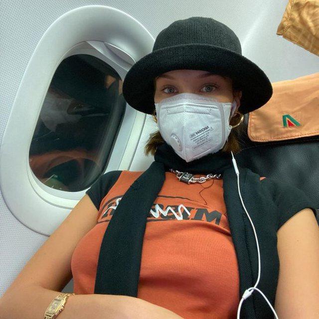 Bella Hadid shkon në Milano me maskë!
