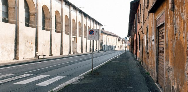 Mesazhi i pedagoges që ndodhet 2 orë larg qyteteve italiane në