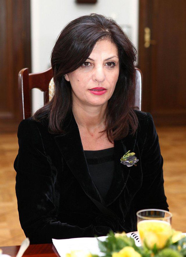 Jozefina Topalli akuzon Bashën: Je fajtor, Rama rrëzohet për pak