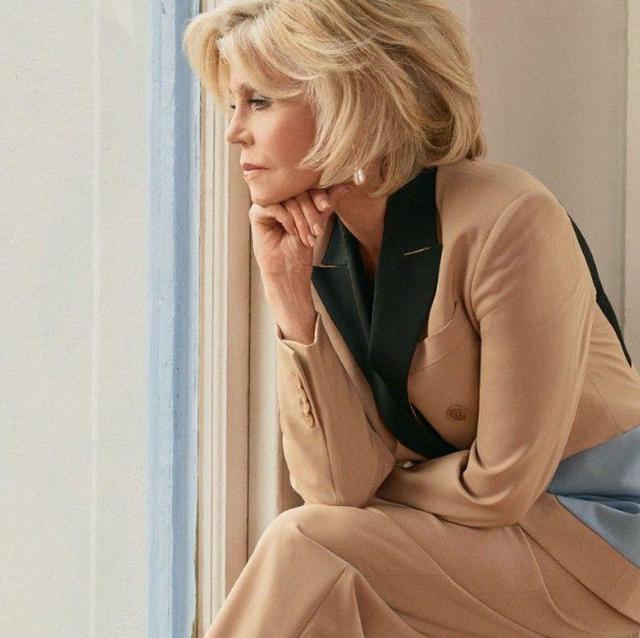 Këtë 8 Mars vishu si Jane Fonda, pavarësisht moshës që