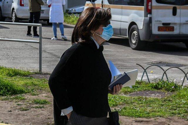 Katër shqiptarë mes të infektuarve me Covid-19 në Greqi