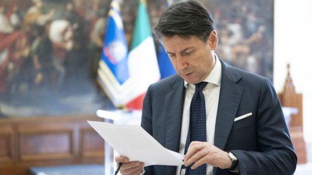 Kryetarët e bashkive thirrje kryeministrit Conte: Duhet më shumë