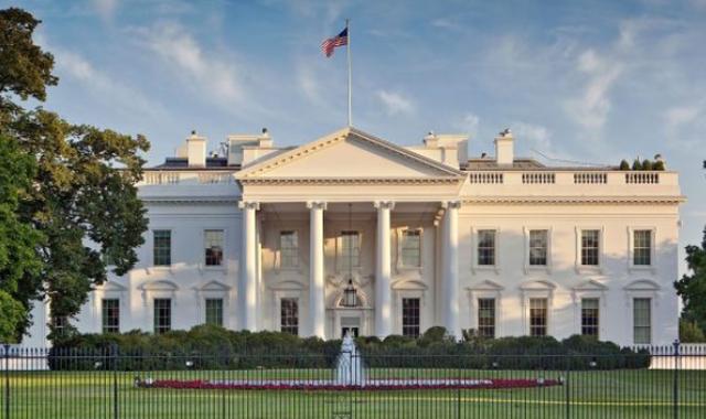 SHBA mbyll në shtëpi gjysmën e popullsisë