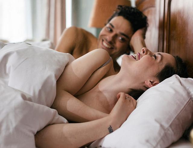 A duan vërtet burrat më shumë seks se gratë? Terapistja