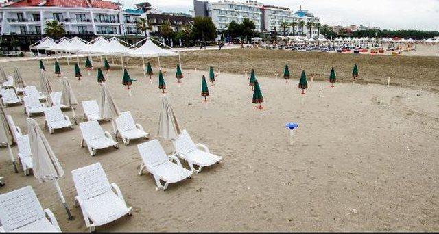 Plazh si qëmoti! Por këto tre biznese në Durrës nuk binden: