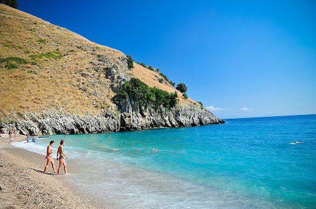 Në plazh mund të shkoni që nga 1 qershori dhe nuk iu duhet