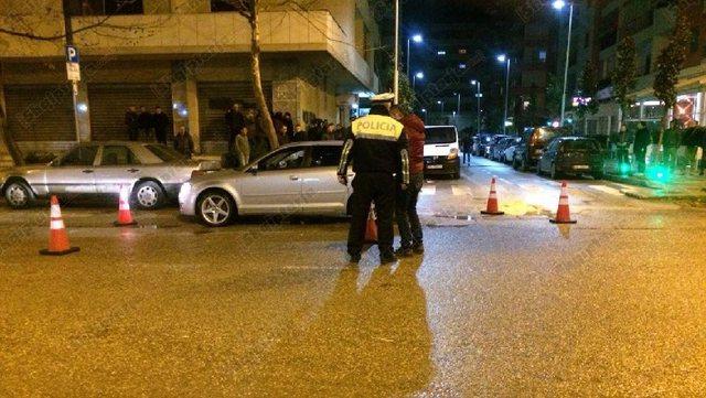 Të shtëna me armë në Shijak, plagoset një 28