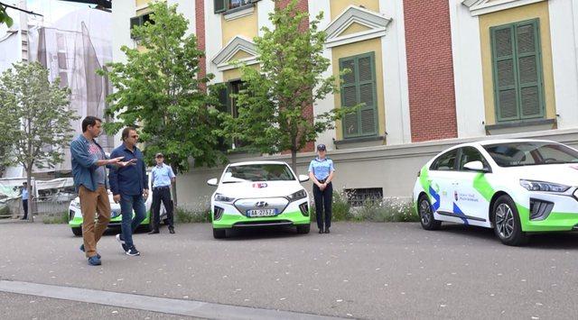 Nëse do të blesh makinë elektrike, ke parkim dhe karikim falas