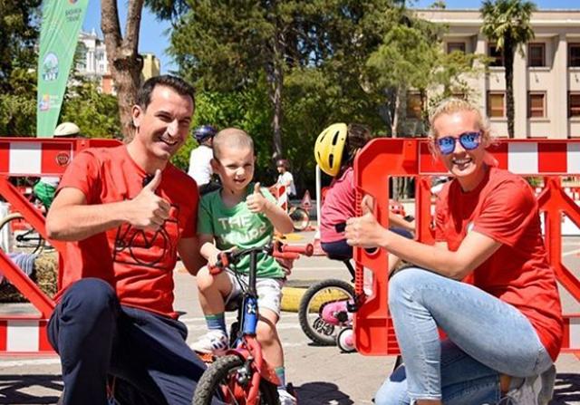 Akademia më e re në Tiranë u dedikohet fëmijëve dhe i