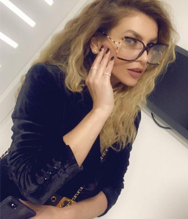 Leonora Jakupi zyrtarisht bjonde