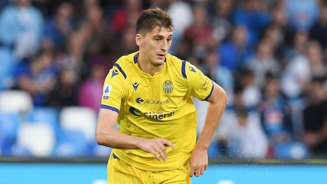 Takimi vendimtar për Marash Kumbullën, zbulohet oferta e Lazios