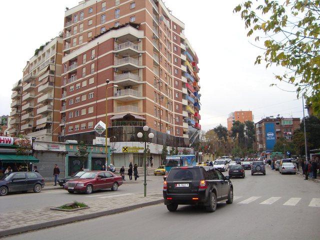 Nga 'Rruga e Elbasanit'  tek Garda, zonat pa drita në Tiranë