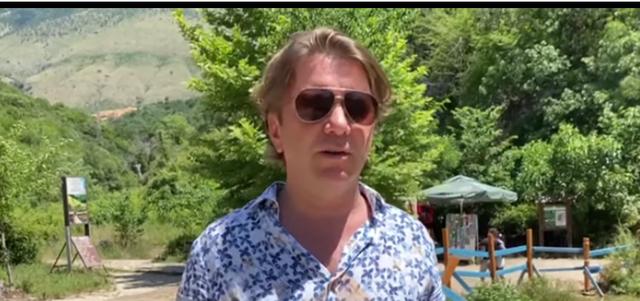 Turistët gjermanë mrekullohen nga Syri i Kaltër, por kanë