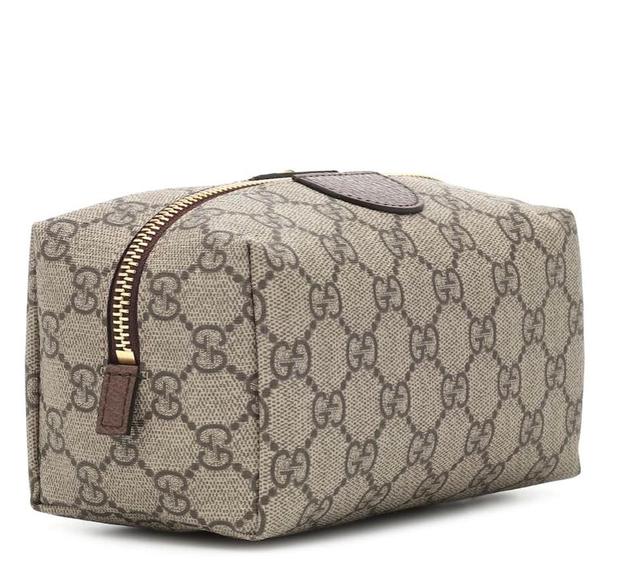 How I pack, by Emi Seiti (Ose si bëhet një valixhe perfekte)