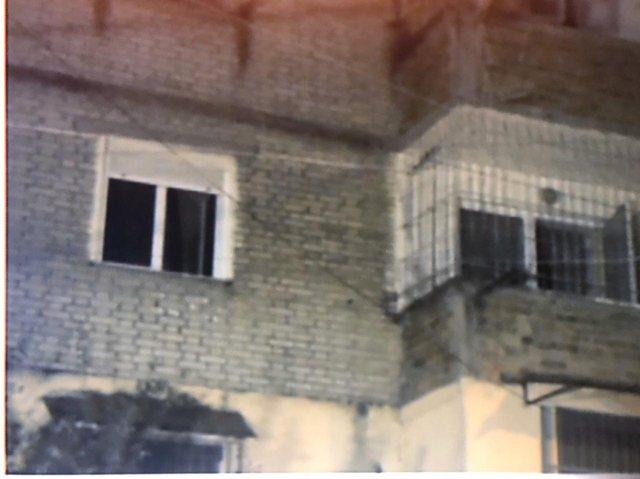 Flasin fqinjët: Një nga vajzat kishte 2 vite që nuk dilte nga
