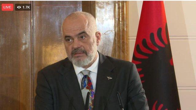 'Turp që BE nuk liberalizon vizat për Kosovën, po mban peng